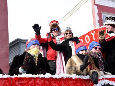 2016 Parade 2