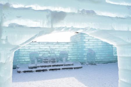 2016 Inside the Ice Castle