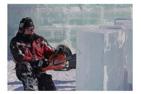 Robyn Johnson Carving Ice