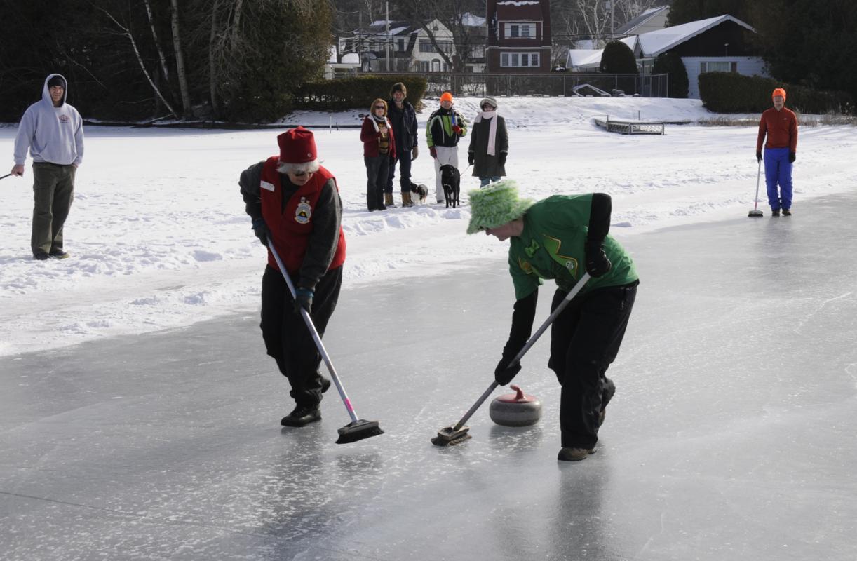 Curling Exhibition2